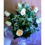 """Букет из 7 кремовых роз с поздравительными наклейками на розах """"С Днем Свадьбы!"""""""