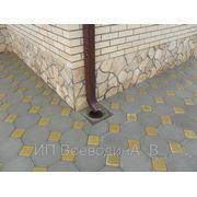 Облицовка природным камнем укладка тротуарной плитки фото