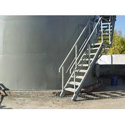 Изготовление шахтных и кольцевых лестниц фото