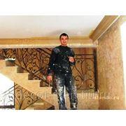 Услуги по нанесению и декорированию стен и потолков жидкими обоями. фото