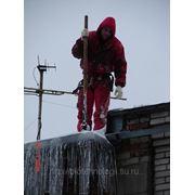 Очистка кровли домов и зданий от снега (вывоз снега) фото