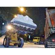 Уборка и вывоз снега. Вывоз снега с погрузкой. фото