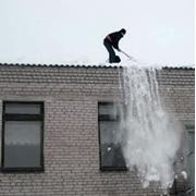 Уборка снега с кровли с применением спец.снаряжения (разовый сброс) фото