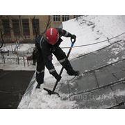 Уборка снега с кровли Казань фото