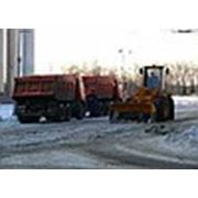 Уборка снега спецтехникой фото