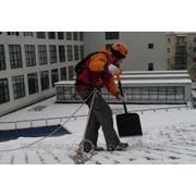 Очистка крыши. Цена - 25р/м2. фото
