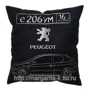 Автомобильная подушка с вышивкой фото