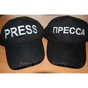 Машинная вышивка логотипов на кепках и бейсболках фото