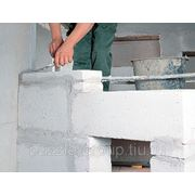 Устройство межкомнатных перегородок из пенобетонного (газосиликатного) блока толщиной 20 см фото