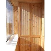 Деревянный шкаф фото