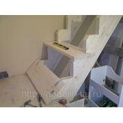 Изготовление лестниц из ценных пород древесины фото