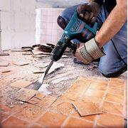 Подготовка объекта: демонтаж временных унитазов, раковин, электрощитов, освещения и электропитания, установка хоз.инвентаря.