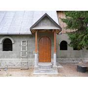 Строительные услуги. Реконструкция старых домов., замена пола, лаг, крыши. Земляные работы. Колодцы. фото