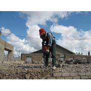 Демонтаж бетонных и кирпичных конструкций фото