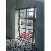 Демонтаж: проемов в несущих стенах (алмазное пиление), межкомнатных перегородок, санкабин, полов, фото