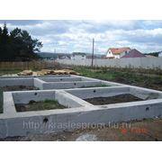 Фундамент (ленточный,свайный) фото