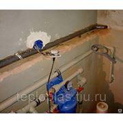 Прокладка труб водопровода разного диаметра фото