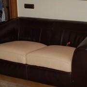 Перетяжка мебели,обивка офисных диванов фото