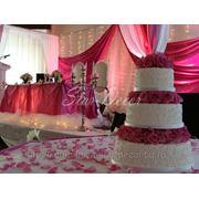 Оформление зала на свадьбу, свадебное оформление, чехлы на стулья аренда, свадебная арка прокат фото