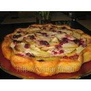 Пирог с ябл.и ягод фото