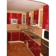 Кухня с полукруглыми фасадами