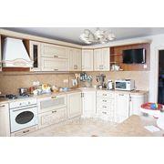 Кухонный гарнитур, фасад массив белого ильма (Италия). Изготовление под заказ.