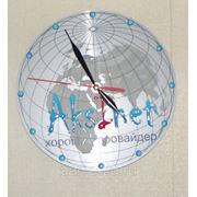 Часы настенные с логотипом компании фото
