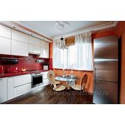 Кухня с врезной ручкой-профилем фото