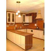 Кухня c фасадами из массива фото