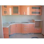 Кухонный гарнитур с крашенными фасадами фото