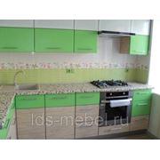 Кухня с комбинированными фасадами фото