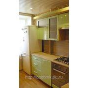 Фасады: Салатовый металлик, корпус: Бук 5113. Кухни на заказ СПБ Салатовый металик фотография