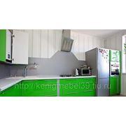 Кухня с крашеными фасадами на заказ фото