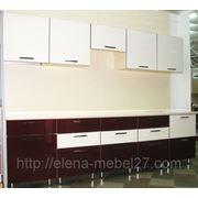Кухня бело-бордовая