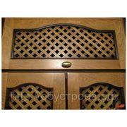Шкафы с массивной решеткой вместо панелей. фото