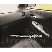 Тюнинг салона автомобиля под кожу рептилий, животных фото