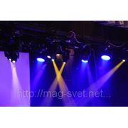 Прокат и аренда 24 светодиодных голов с подвесом до 5,5 м на Новогодние мероприятия фото