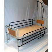 Аренда функциональной кровати с подъемом головы, поручнями, надкроватной трапецией и медицинским матрасом. фото