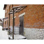 Козырьки, над дверью из поликарбоната или профлиста ( 80х100 см) с монтажем фото
