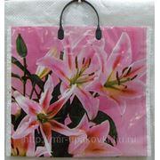 Пакет с пластмассовыми ручками (38х35+10) Розовые лилии 30/5 фото