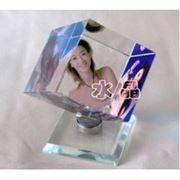 Фото в кристалле Куб на подшипнике фото