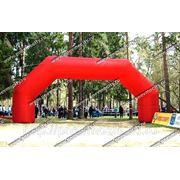 Надувная арка красная фото