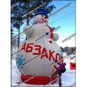 Надувная новогодняя фигура. Снеговик «абзаково» фото