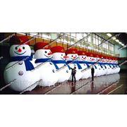 Надувная новогодняя фигура. Снеговик стилизованный фото