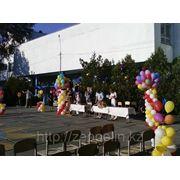 Оформление школьного двора на праздник фото
