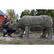 Скульптура для парка, носорог фото