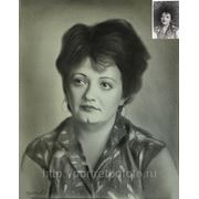 Портрет девушки с фотографии, портрет со старой фотографии фото