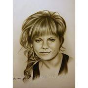 Портрет.Нарисованный портрет девушки.Графика. фото