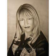 Графичесский портрет девушки блондинки.Сухая кисть фото