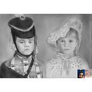 Детский портрет в костюмах под старину сухая кисть фото